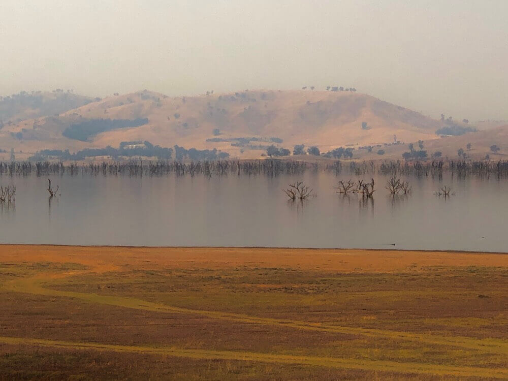 Lake Hume, Victoria: An artificial lake from a dam.