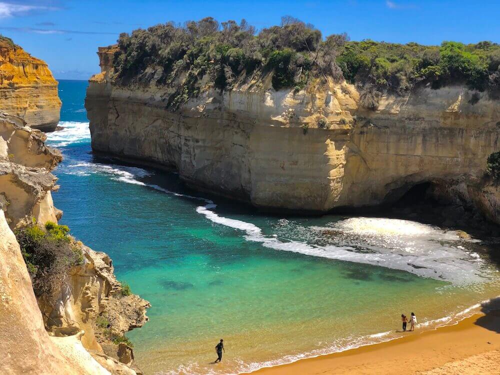 Great Ocean Road, Victoria: Loch Ard Gorge is quite impressive. You can see its actual size in relation to the people in the picture.